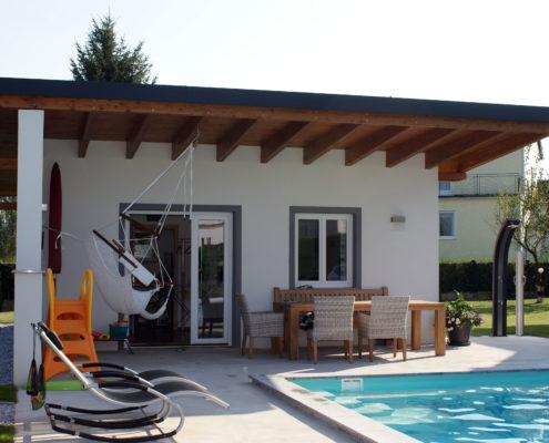 Poolhaus